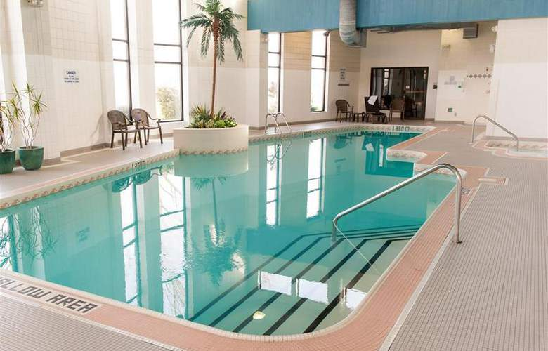 Best Western Brant Park Inn & Conference Centre - Pool - 102