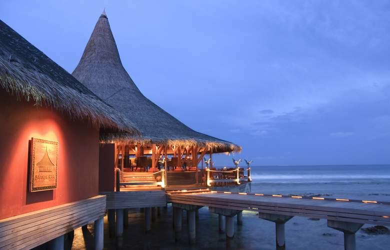 Anantara Veli Maldives Resorts - Restaurant - 4