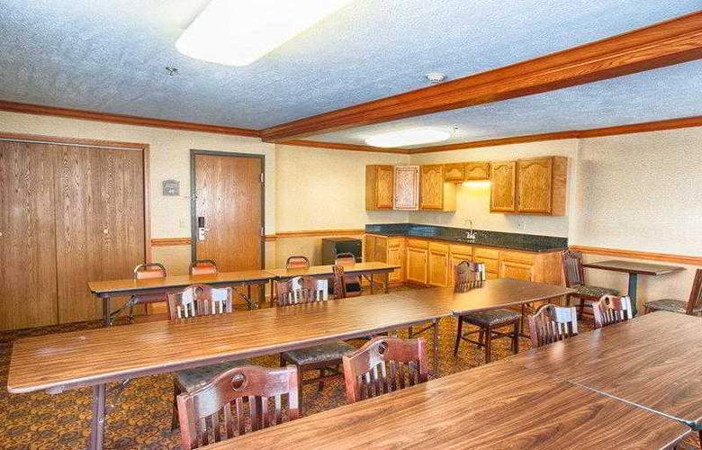 Best Western Plus North Canton Inn & Suites - Hotel - 35