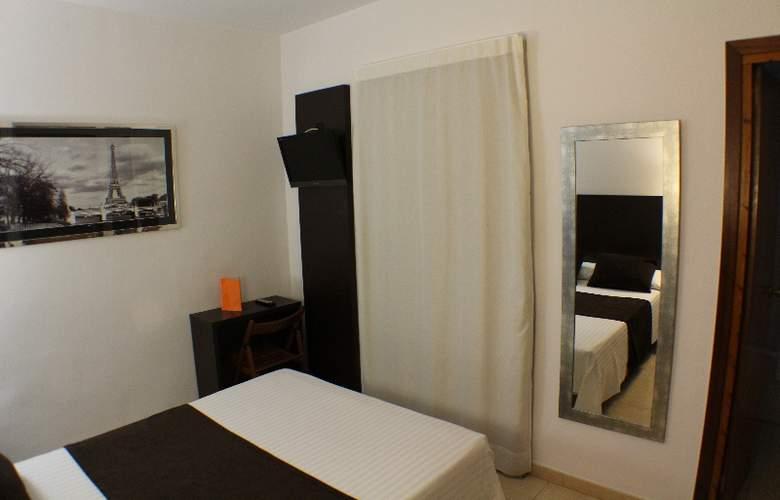 Marfany - Room - 8