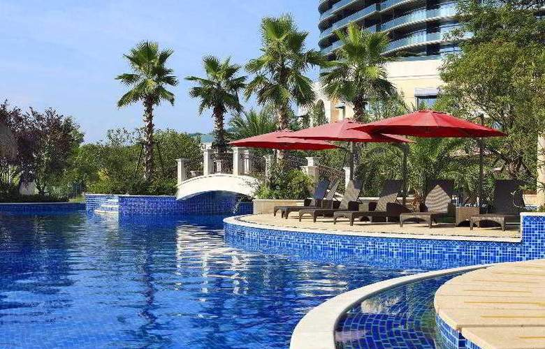 Sheraton Qiandao Lake Resort - Pool - 28