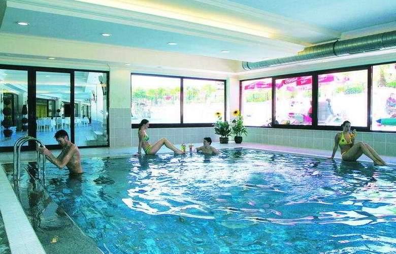 Side Aquamarin Resort & Spa - Pool - 9