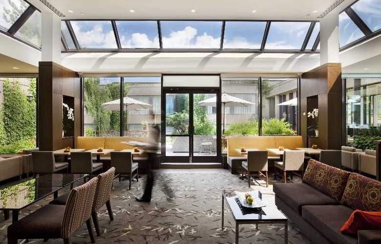 Hilton Montreal Bonaventure - Hotel - 5