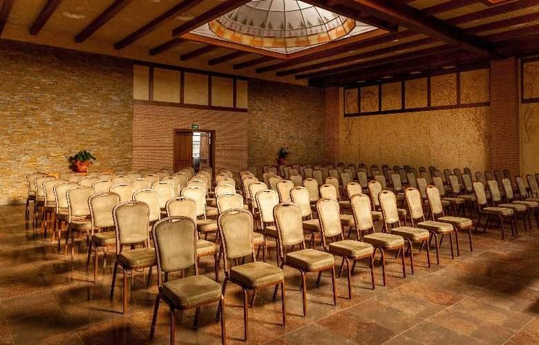 Comendador - Conference - 33