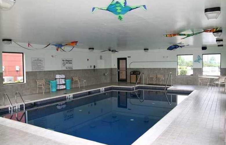 Hampton Inn Pine Grove - Hotel - 3
