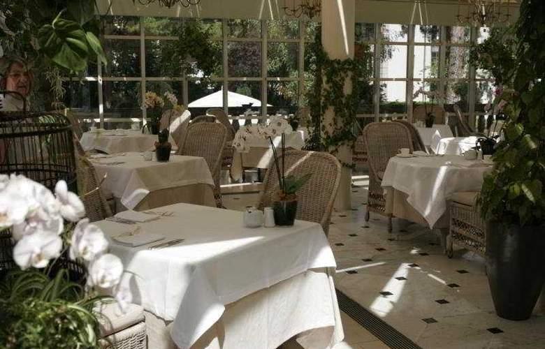 Patrick Hellmann Schloss - Restaurant - 8