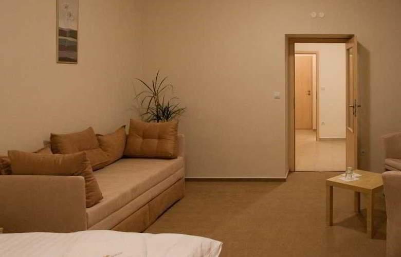 Hotel Cyro - Room - 1