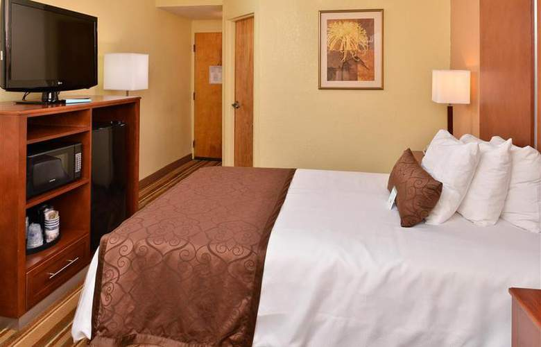 Best Western Plus Richmond Airport Hotel - Room - 92