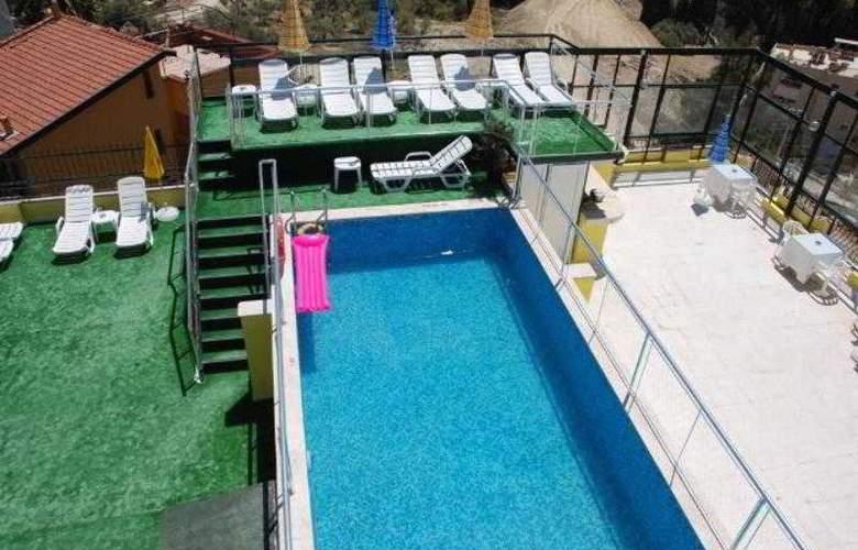 Alp Hotel - Pool - 6