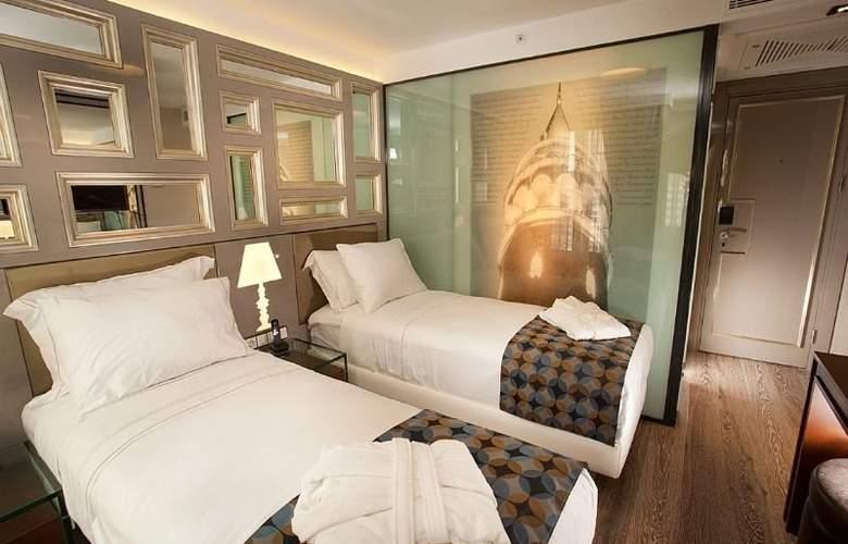 La Villa Hotel - Room - 1