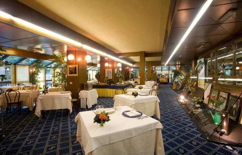 Savoy - Restaurant - 9