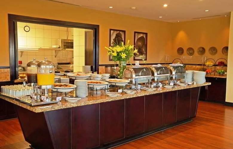 Hilton Garden Inn Liberia Airport - Restaurant - 39