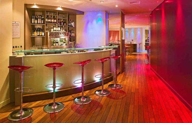 Mercure Paris La Defense - Bar - 56