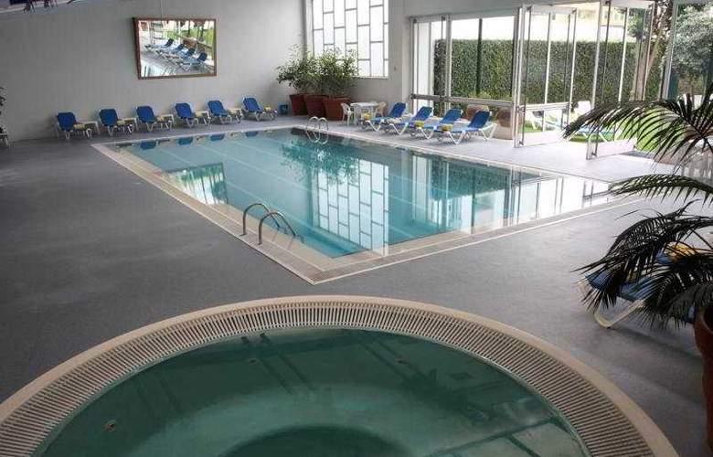 Golden Tulip Porto Gaia Hotel & SPA - Pool - 5