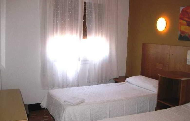 Hostal Mas LLoret - Room - 4