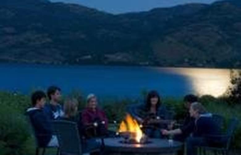 The Cove Lakeside Resort - Terrace - 0