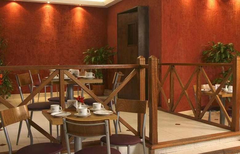 Gran Hotel Orly - Restaurant - 64