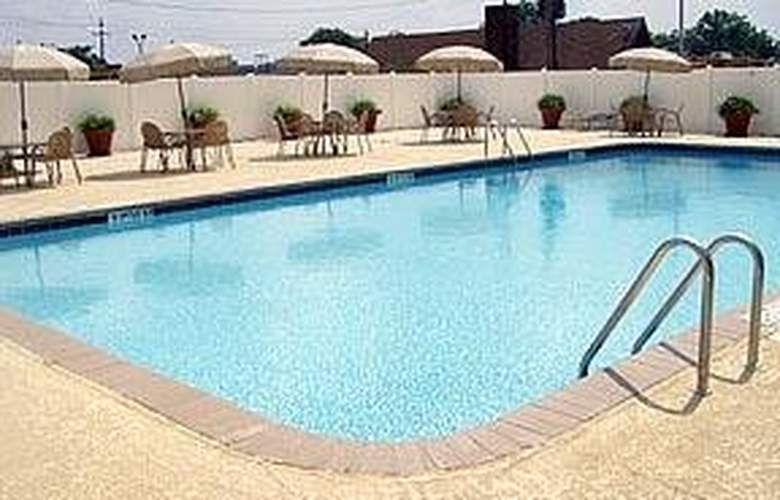 Red Lion Hotel Atlanta Airport - Pool - 5