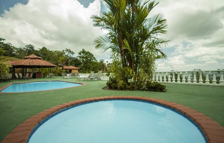 GreenLagoon Wellbeing Resort - Pool - 9