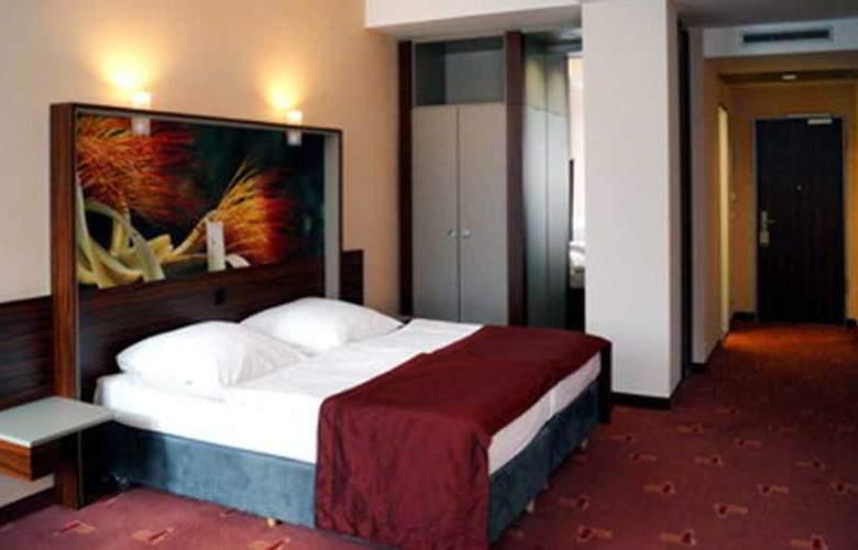 Azimut Hotel Köln - Room - 5