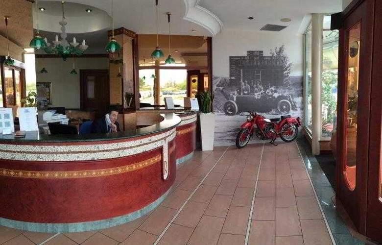 Romea Hotel - Hotel - 0