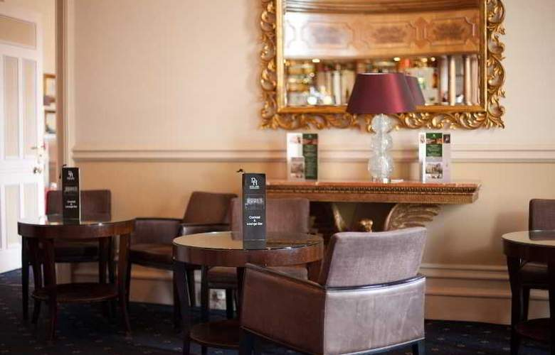 Down Hall Country House - Bar - 34