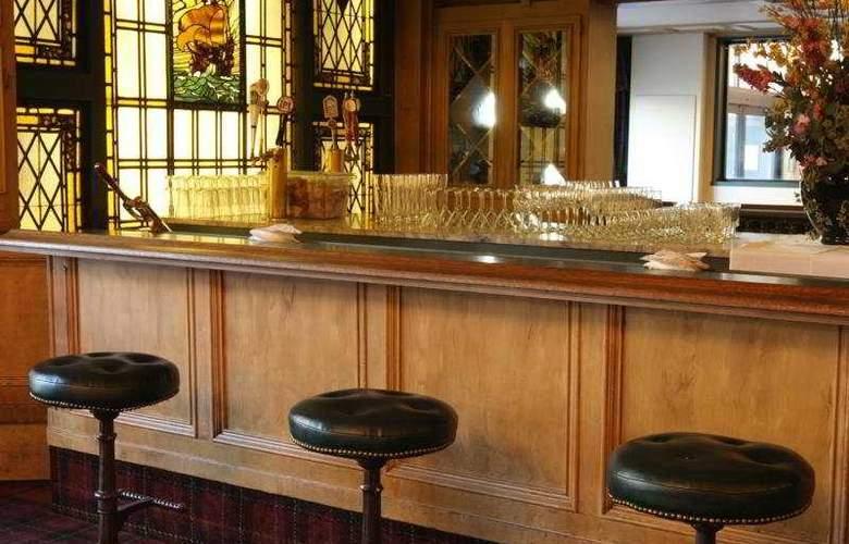 Whitcomb - Bar - 7