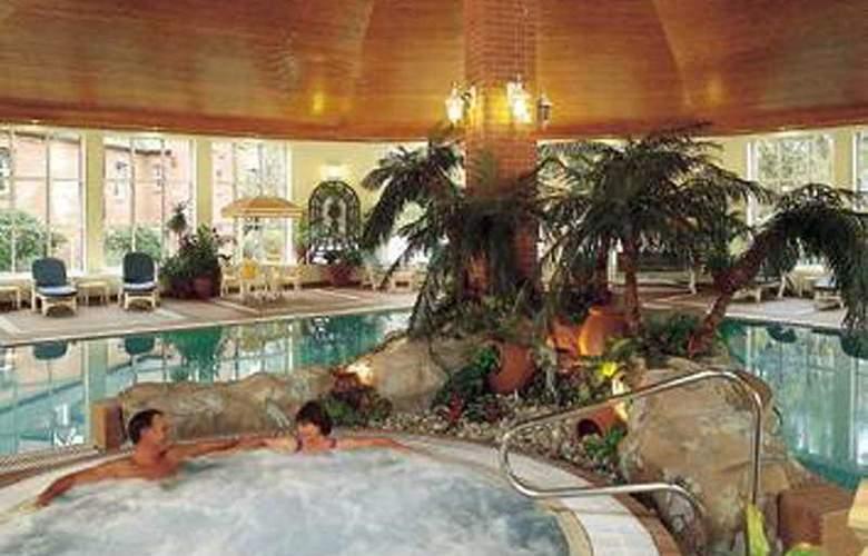 Belstead Brook - Pool - 5