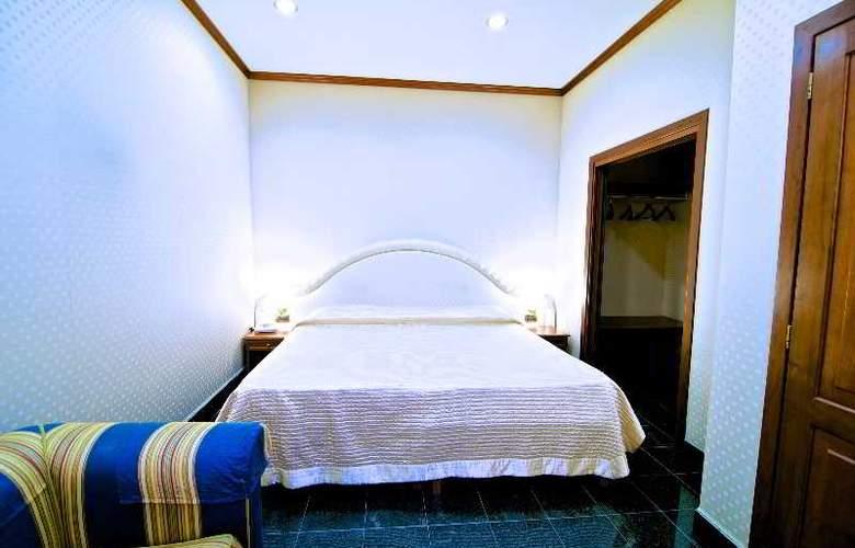 Dock (All Suites) - Room - 16
