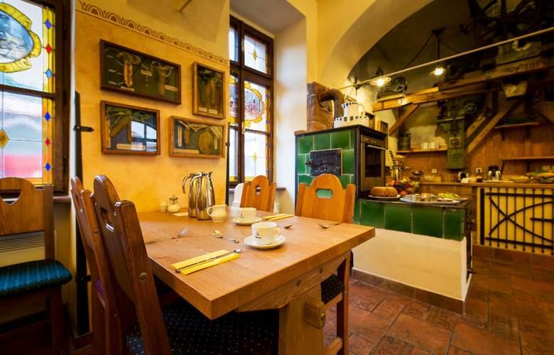 Selsky Dvur Bohemian Village Courtyard - Restaurant - 13