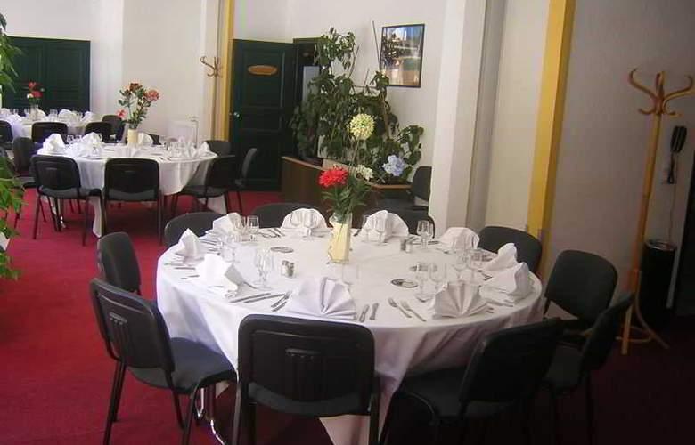 Inter-Hotel Central Parc - Restaurant - 10