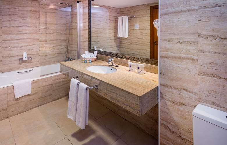 Mediterraneo Bay Hotel & Resort - Room - 10