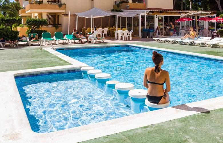 Ibiza Jet Apartments - Pool - 6
