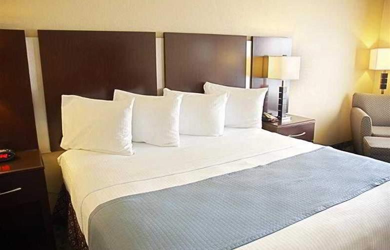 Best Western Plus Eastgate Inn & Suites - Hotel - 28