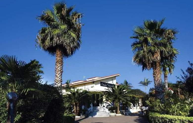 Hotel La Costa Smeralda - Hotel - 0