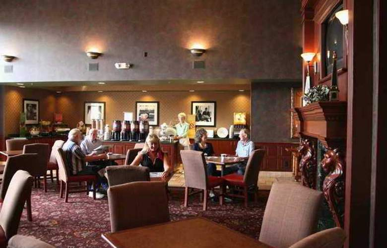 Hampton Inn & Suites Scottsburg - Hotel - 10