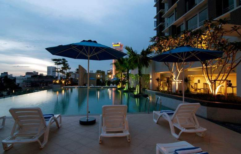 Swiss-Garden Hotel & Residences Kuala Lumpur - Pool - 5