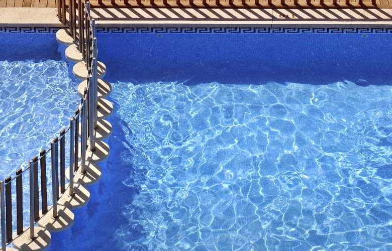 Miami Park - Pool - 14