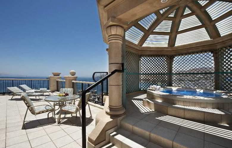 Hilton Eilat Queen of Sheba hotel - Terrace - 1