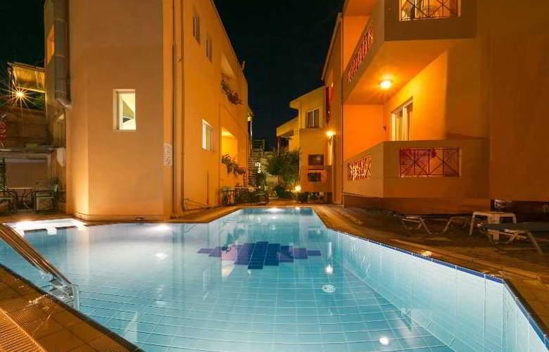 Elotia Hotel - Pool - 17
