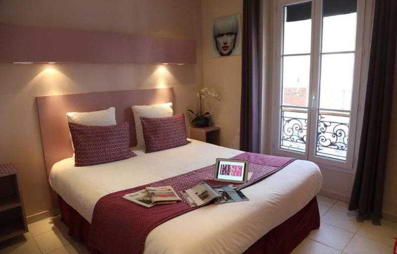 Pink Hotel - Room - 13