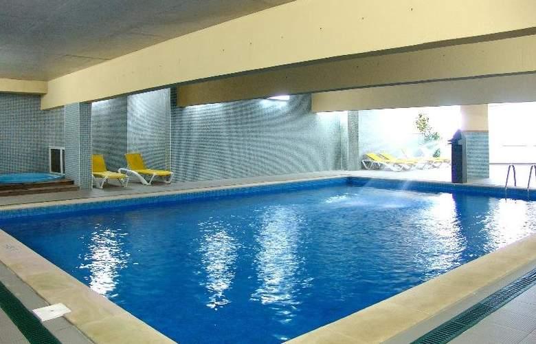 Hotel Maritur - Pool - 11