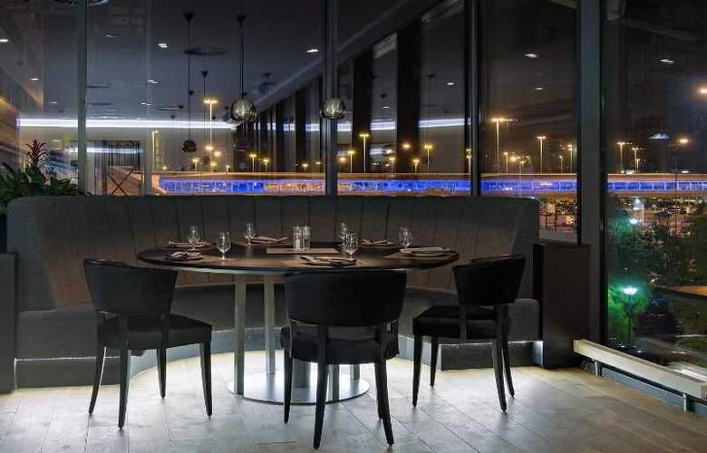 Radisson Blu Hotel Manchester Airport - Bar - 23