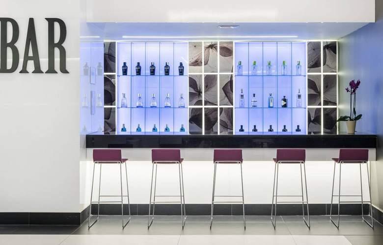 Ilunion Suites Madrid - Bar - 3