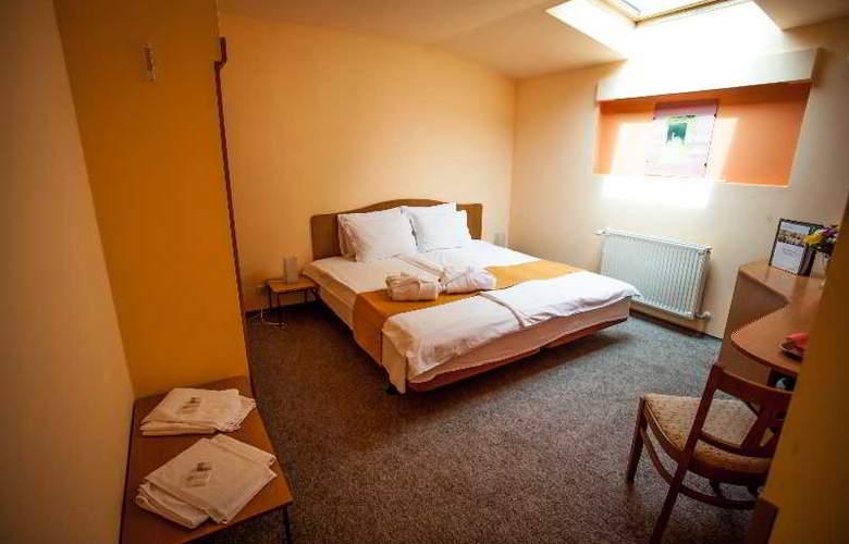 Deja Vu Villa - Room - 13
