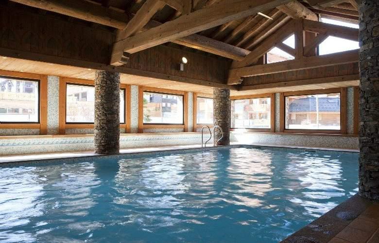 Residence Pierre & Vacances Premium Les Fermes du Soleil - Pool - 10