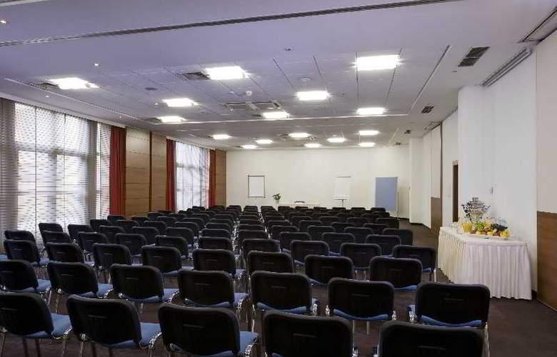 NH Salzburg-City - Conference - 16