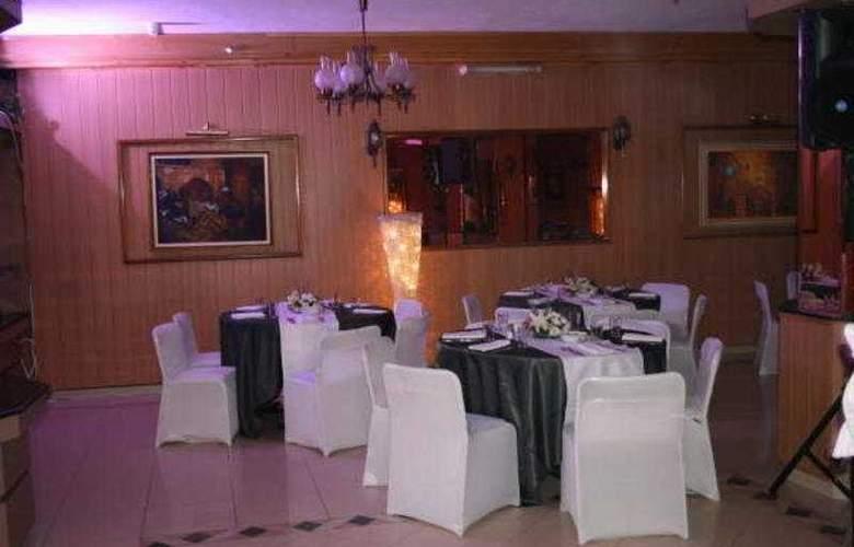 Capitol - Restaurant - 8