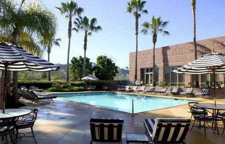 Doubletree Hotel San Diego Mission Valley - Pool - 7