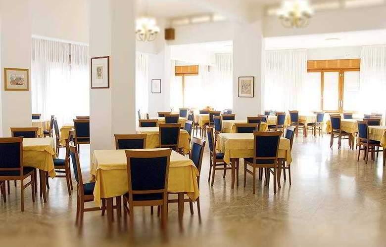 Touring - Restaurant - 1